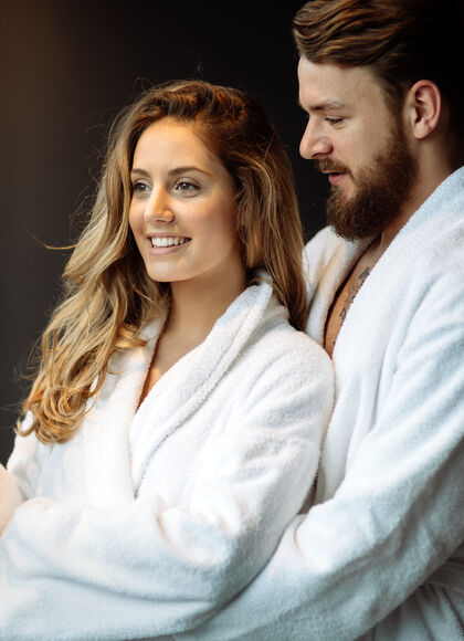 couple-spa-romantic