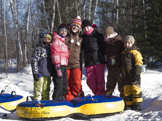 Auberge du Lac-à-l'Eau-Claire Family outdoor activity