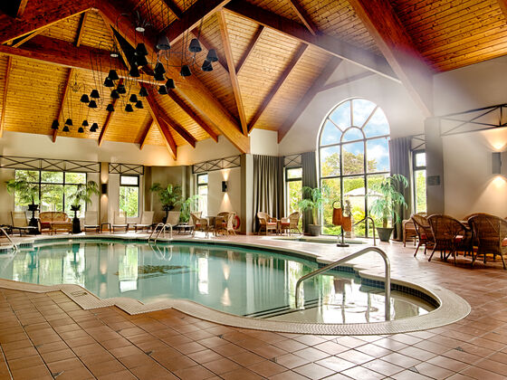Indoor swimming pool Auberge Godefroy